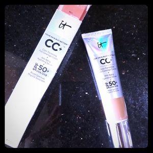 It Cosmetics CC Foundation